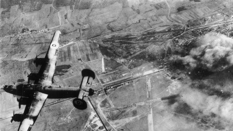 skynews-world-war-two-bombing_4433176
